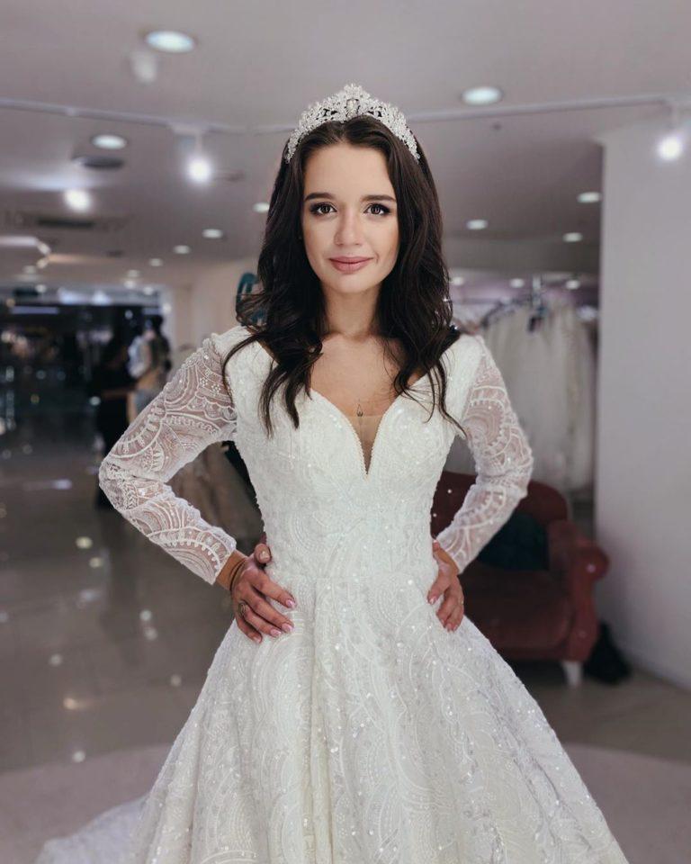 Александра в образе невесты