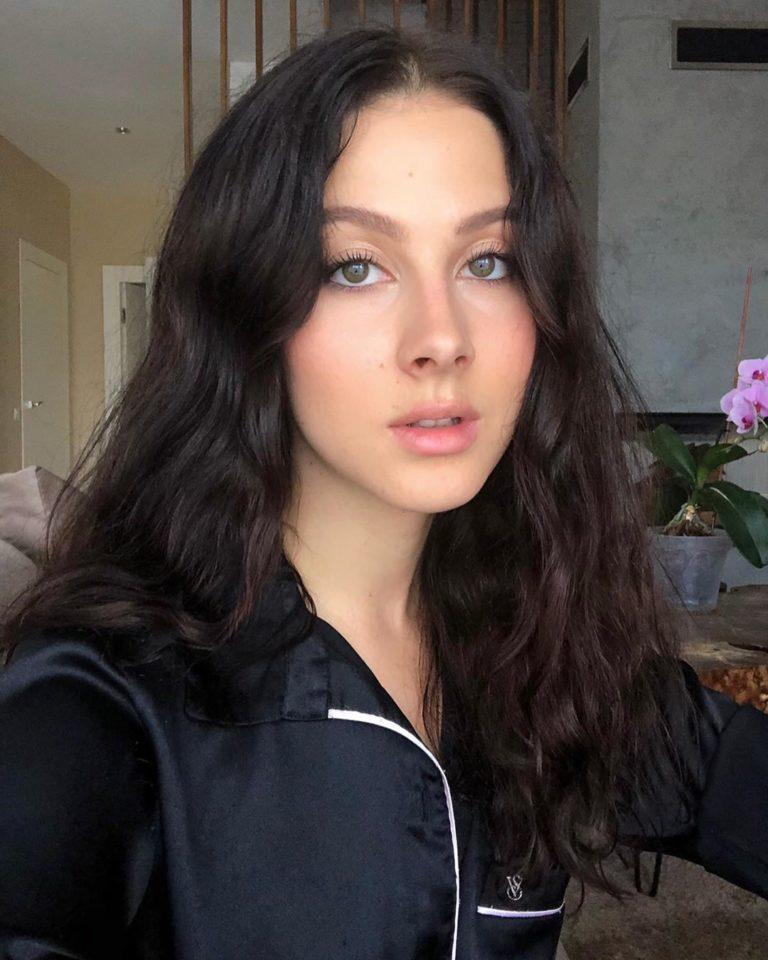 Анастасия Кожевникова, певица