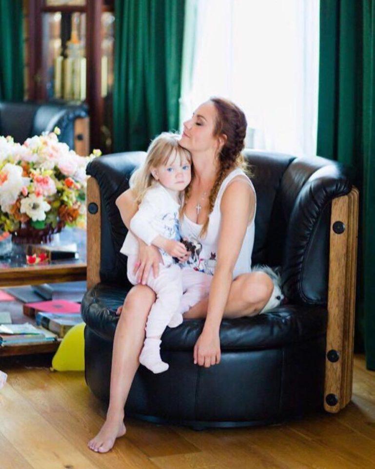 Певица Максим с дочкой Машей