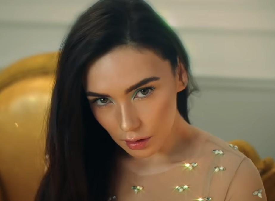 Молли и золотая россыпь. Вышел новый клип «Опаленные солнцем»