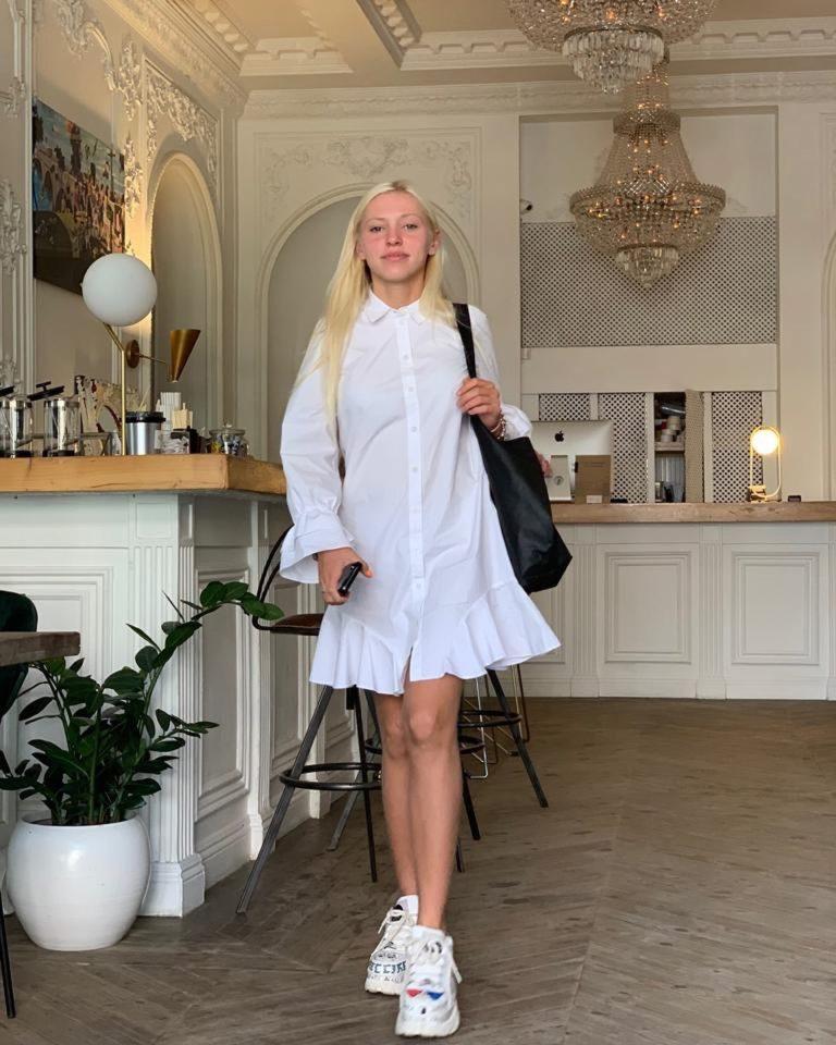 Анна Якубук — Bye, 2019 — слушайте онлайн | Музолента