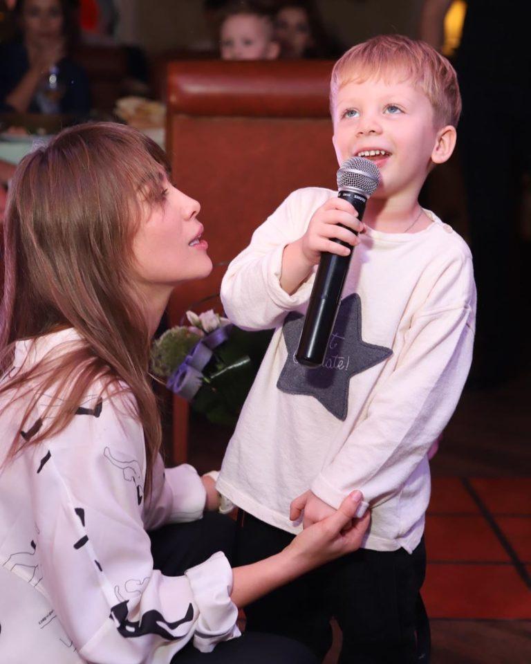 Юлия Беретта показала фото с Дня рождения своего сынишки