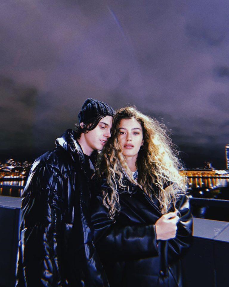 Алексеев и Ульяна Синецкая гуляют по Екатеринбургу