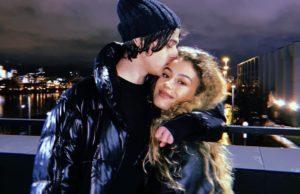Алексеев показал романтические фото с участнице группы «ВИА Гра» Ульяной Синецкой