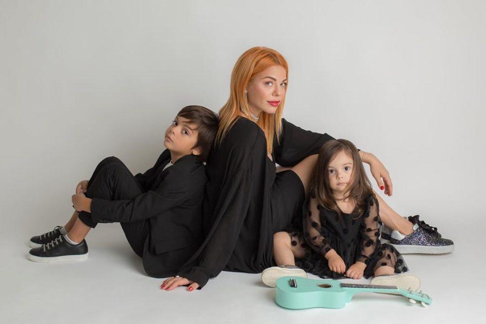 Анастасия Стоцкая с сыном Александром и дочкой Верой