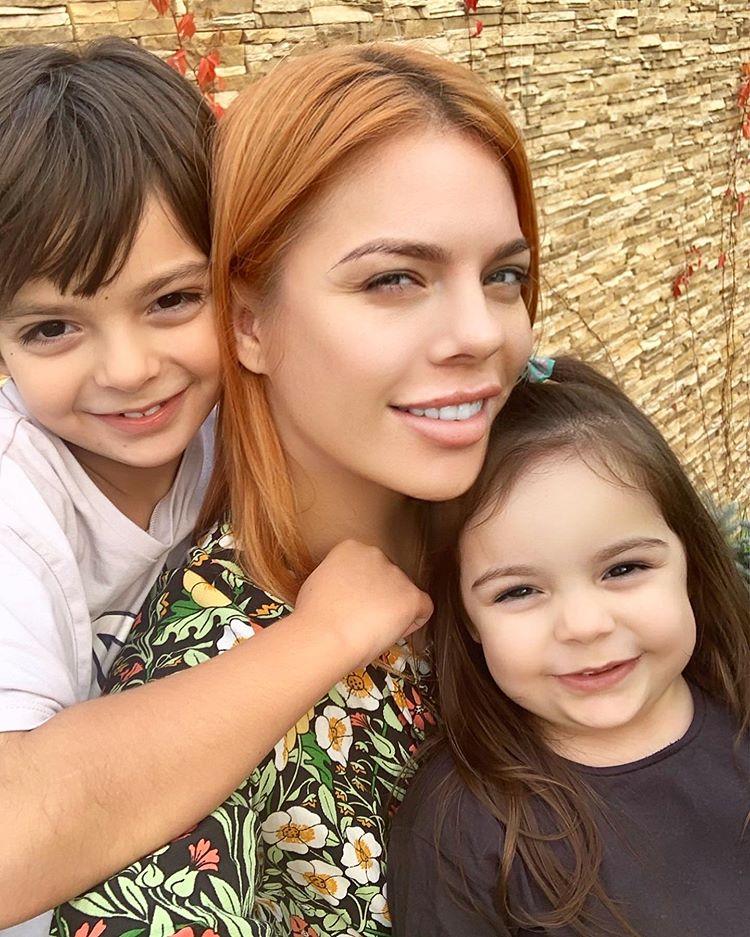 5 милых фото Анастасии Стоцкой со своими детьми