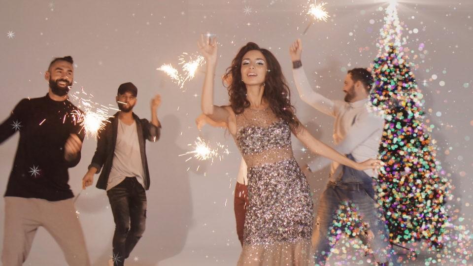 Певица Дэя выпустила клип-поздравление «С Новым Годом!»   Музолента