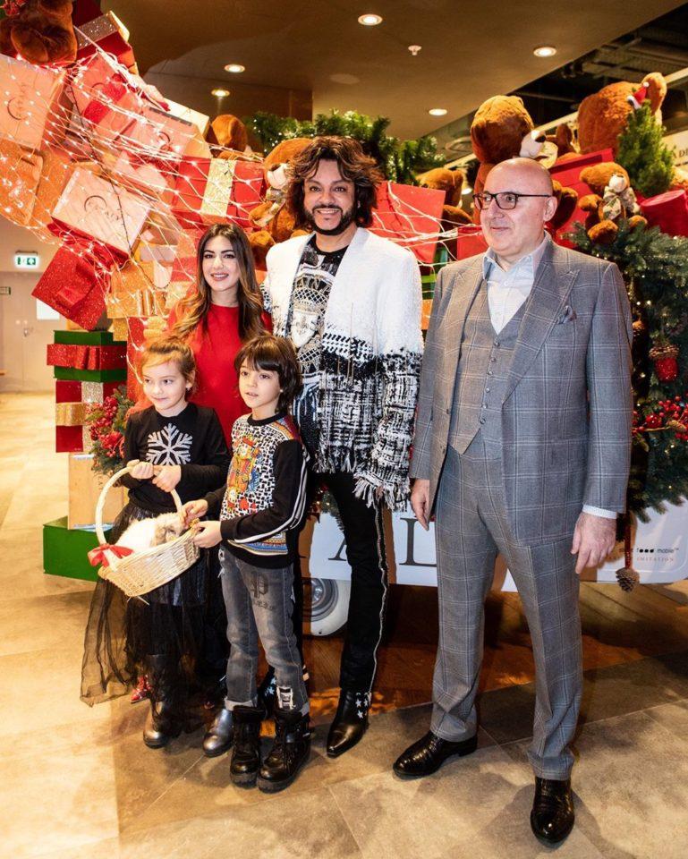 Филипп Киркоров показал фото со своими детьми на рождественском мероприятии