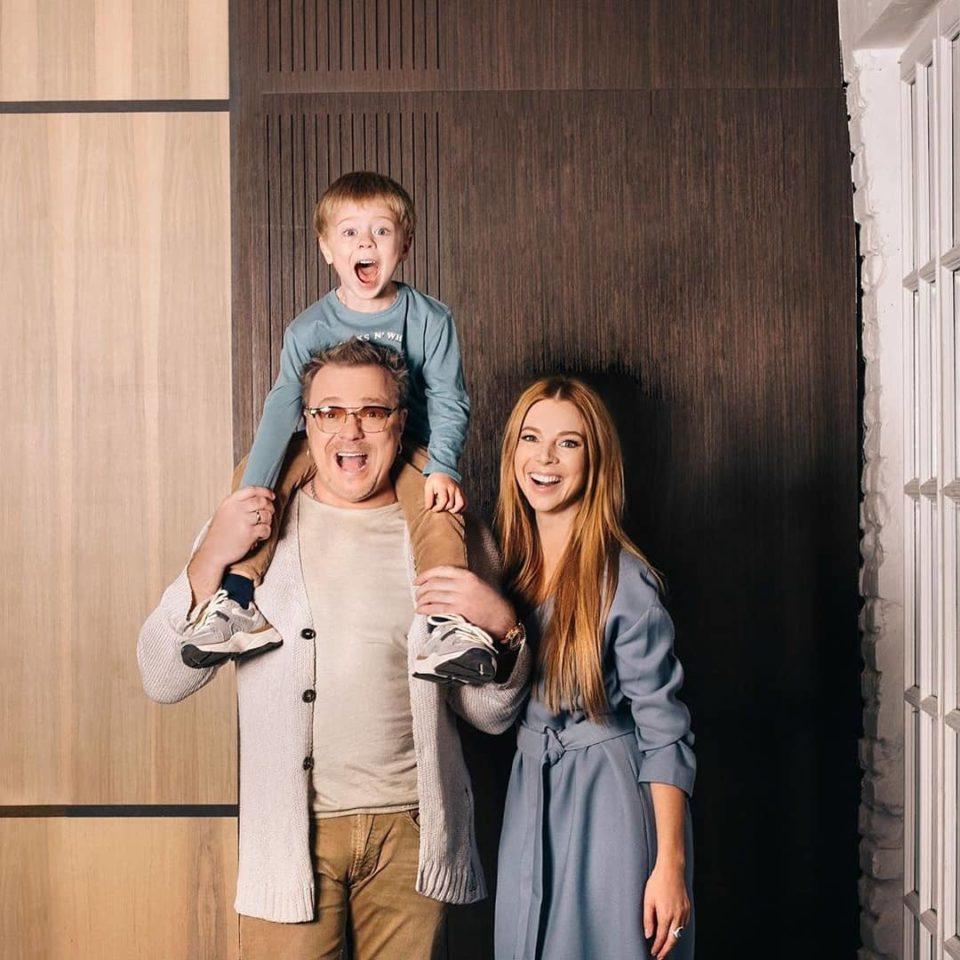 Владимир Пресняков показал милые фото со своей женой и младшим сыном