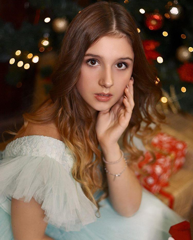 ТОП-5 фото племянницы Сергея Лазарева