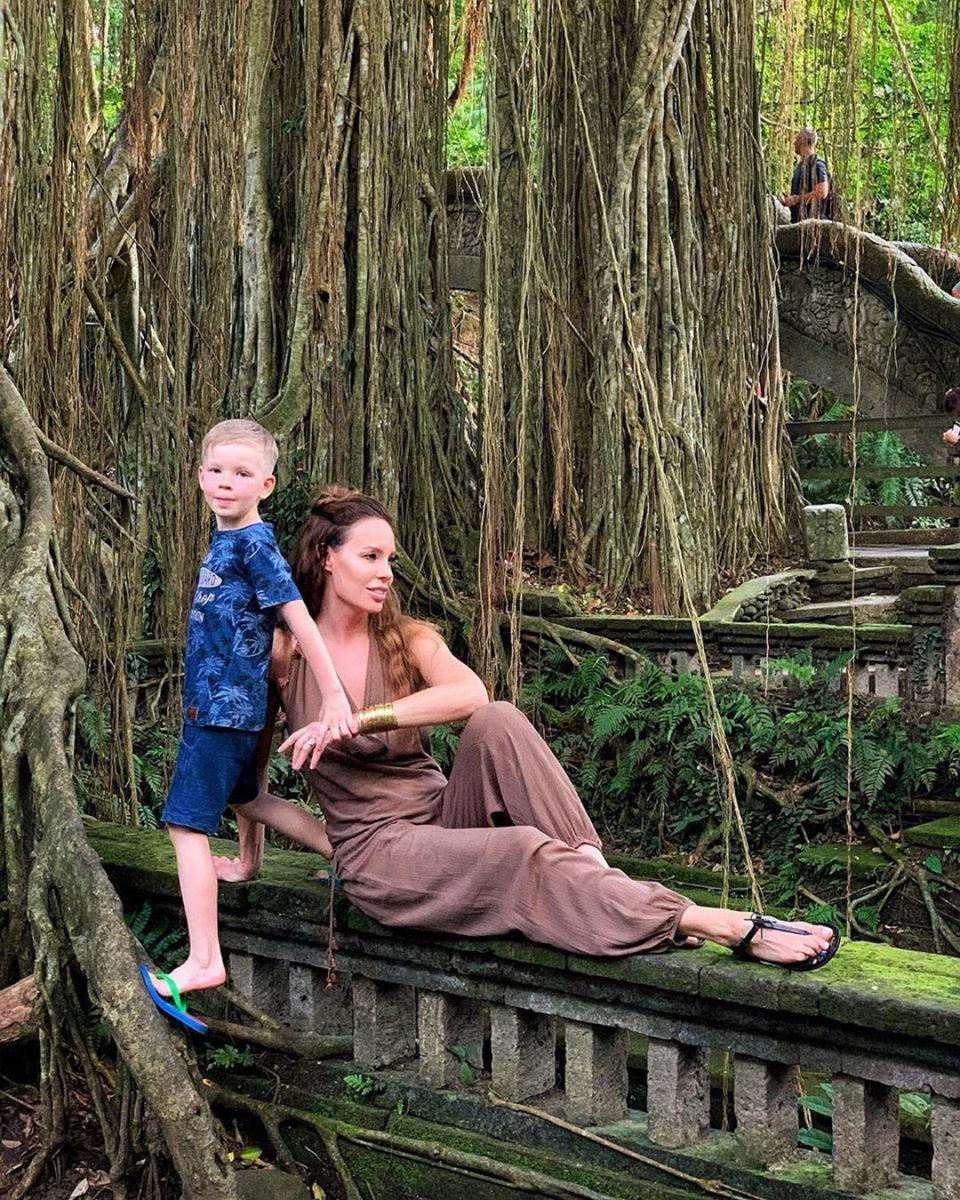 Жена Дениса Клявера с их сыном Даниэлем