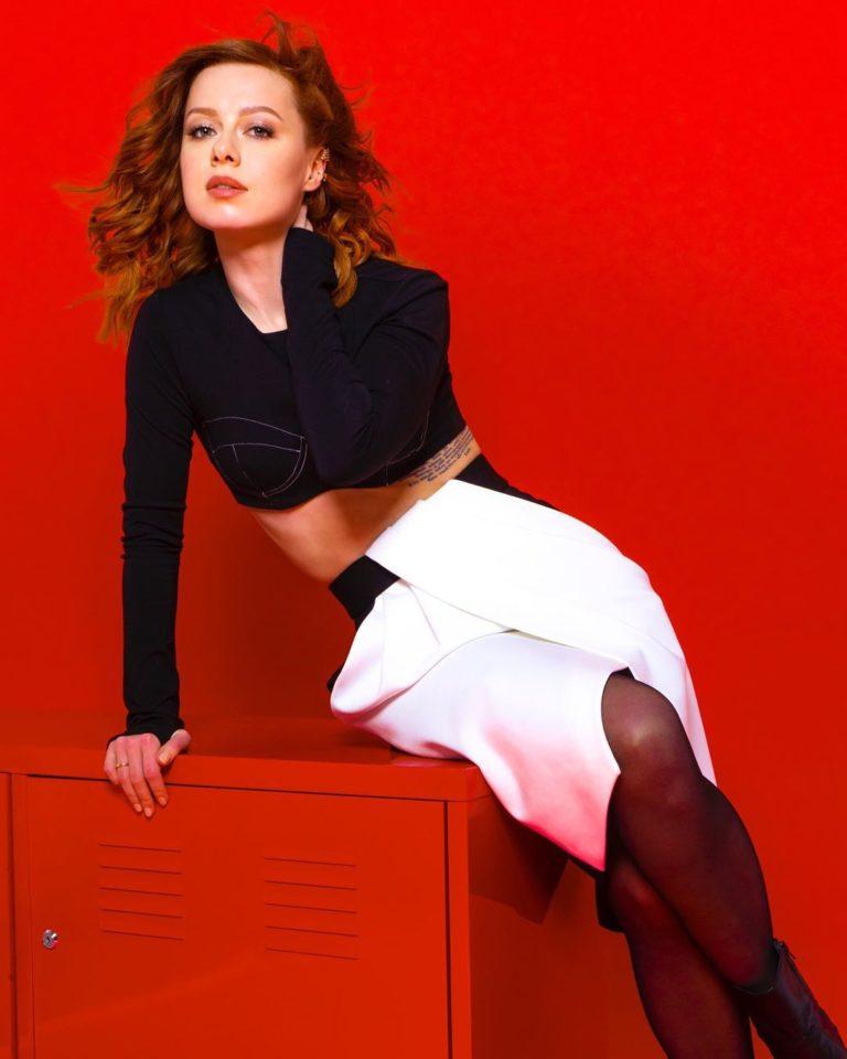 Юлия Савичева записала новый альбом «CLV» (Селяви)