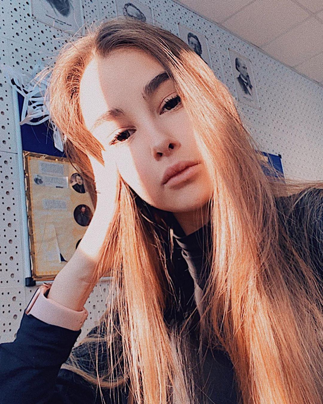 МАлександра Абрамейцева — Закрывай, 2020 — песня | Музолента