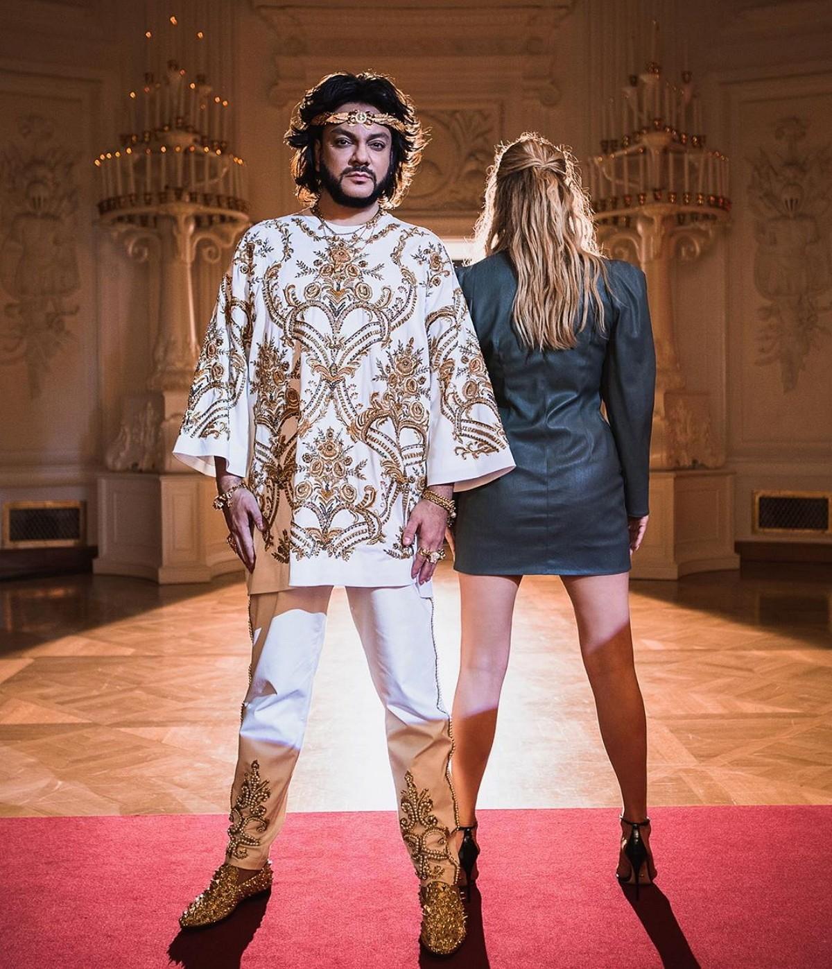 Киркоров заинтриговал поклонников, показав фото главной героини нового клипа со спины