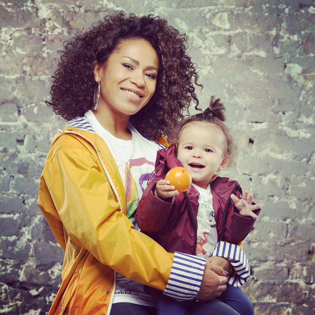 Гайтана с дочерью