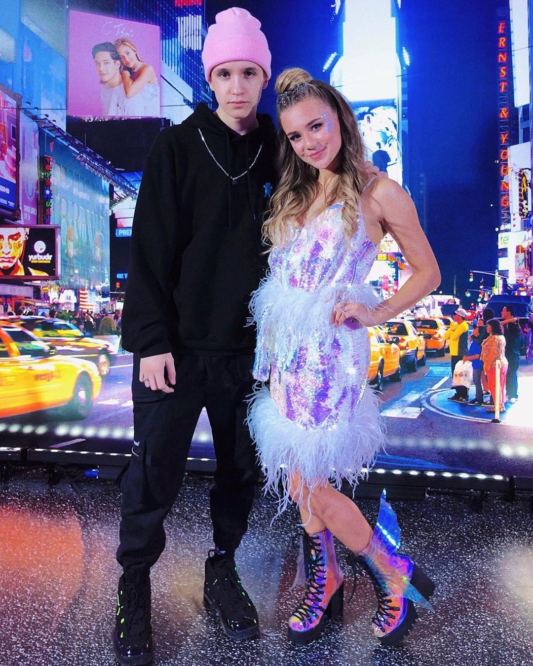Миша Смирнов и Катя Адушкина выпустили совместную песню «Розы»