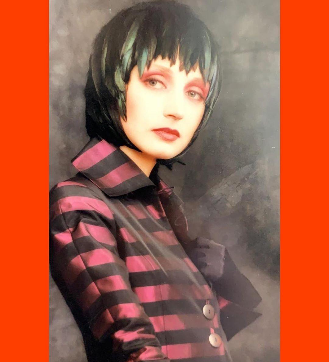 Кристина Орбакайте показала свое фото в 25-летнем возрасте в необычном образе