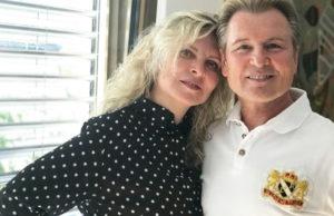 Александр Малинин дома с женой и дочкой устроили застолье