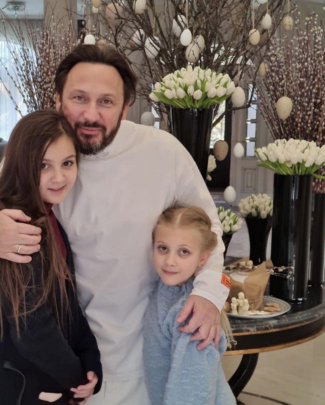 Стас Михайлов с дочками Марией и Иванной