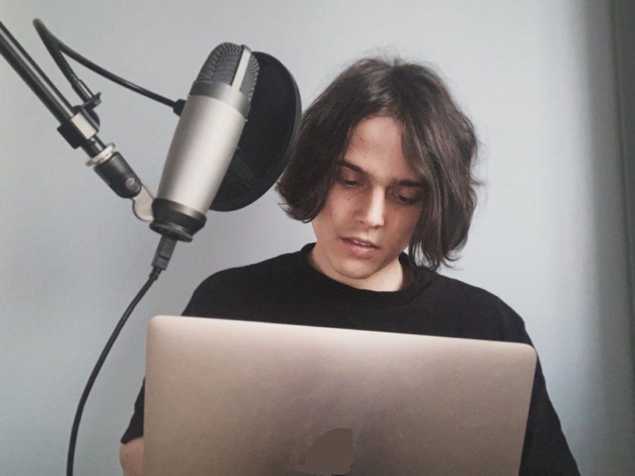 Алексеев записал песню «Ревность»