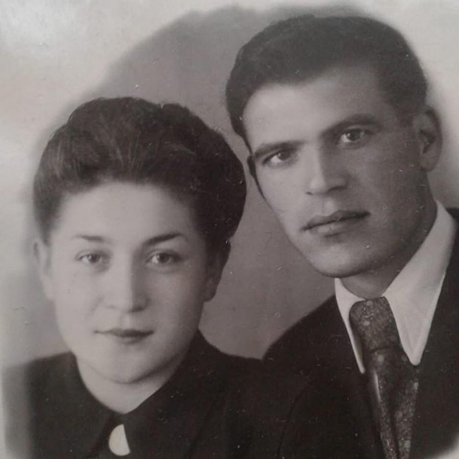 Дедушка и бабушка Анны Седоковой