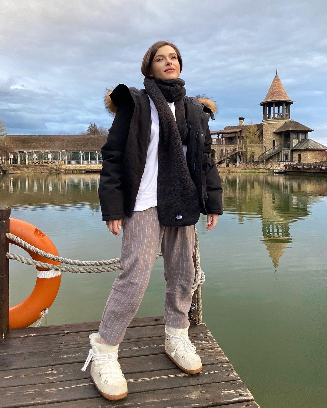 Елена Темникова спела к Дню Победы песню «Тишина»