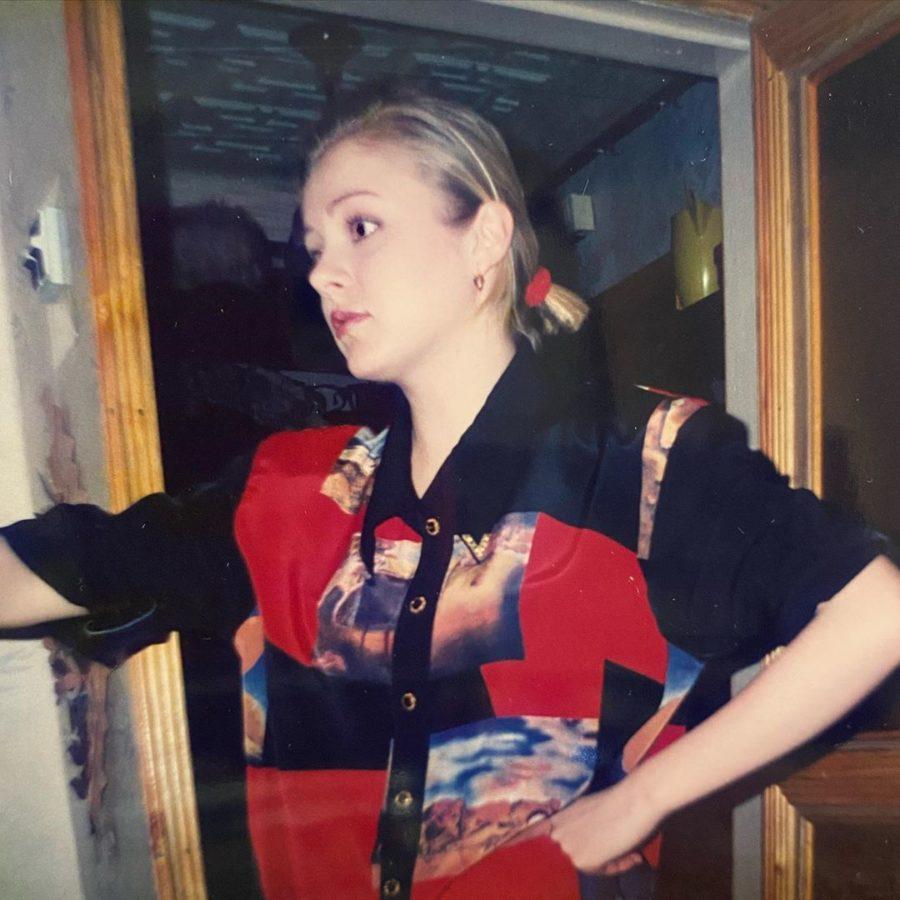 Натали в популярной блузке из 90-х