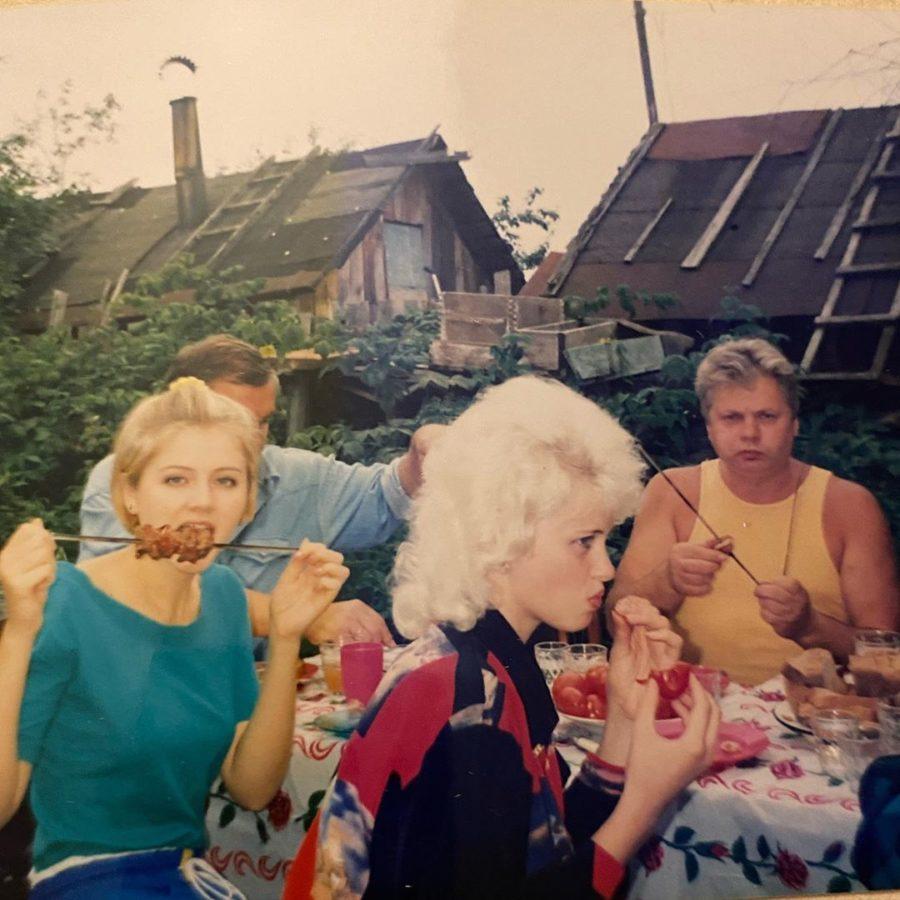 Натали показала, как отдыхала в 22-летнем возрасте с семьей на даче