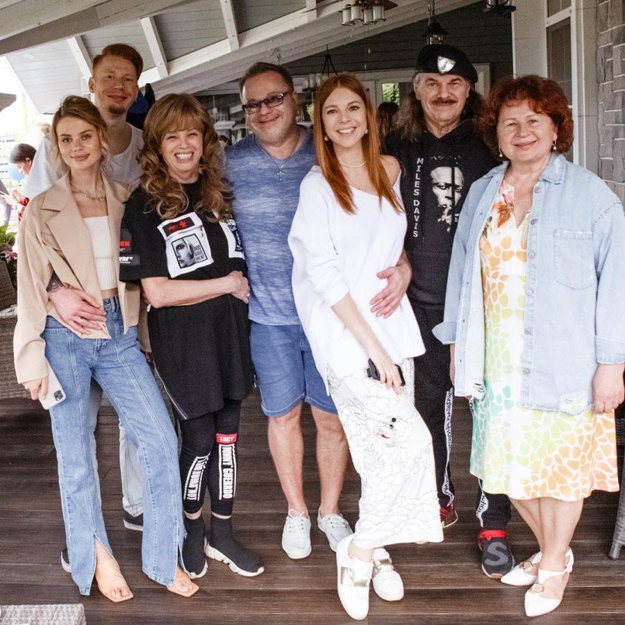 Наталья Подольская с родными и близкими