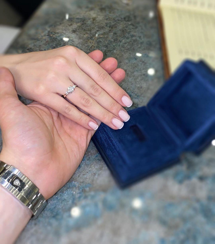 Лиана показала кольцо