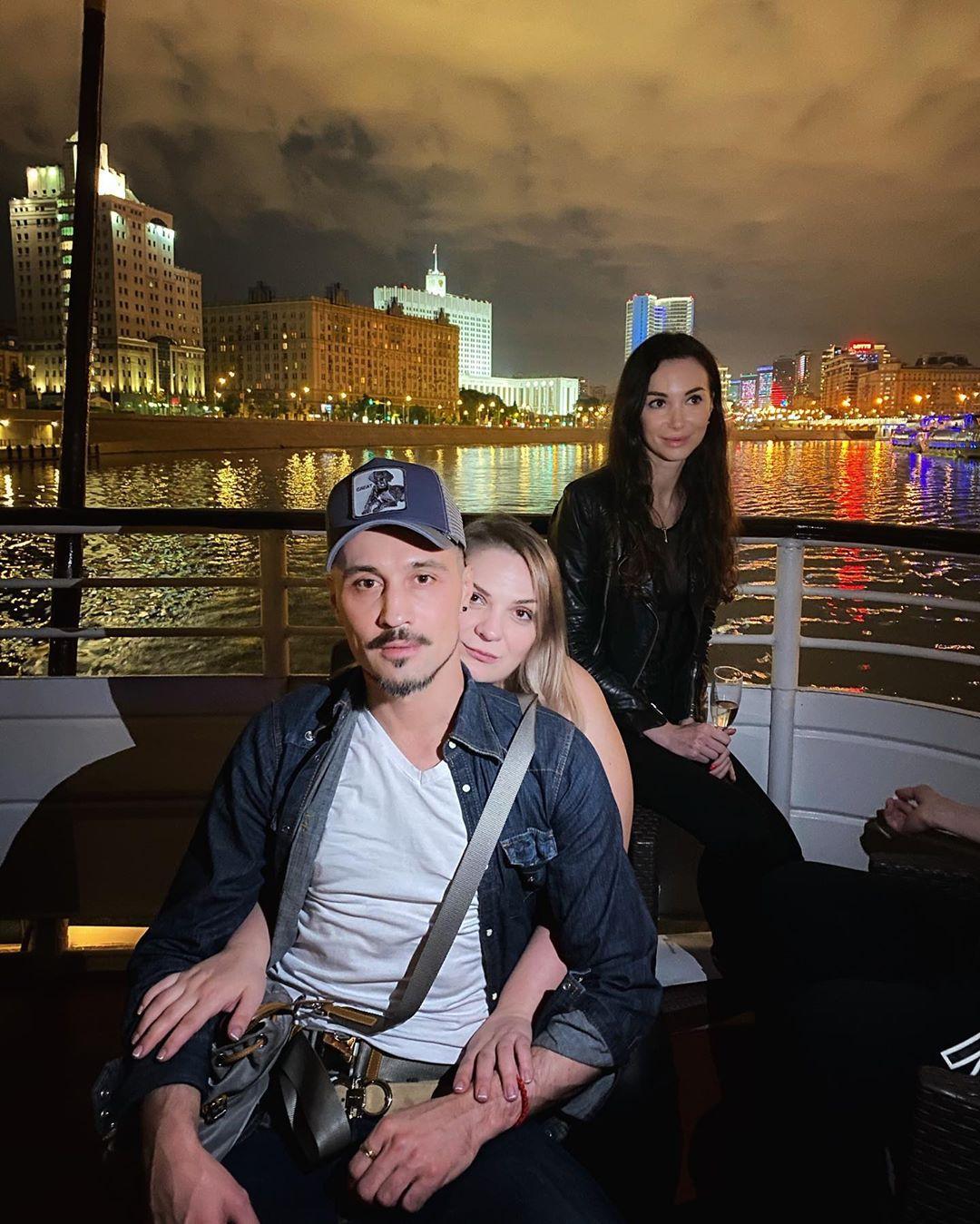 Дима Билан показал фото с Дня рождения своей сестры