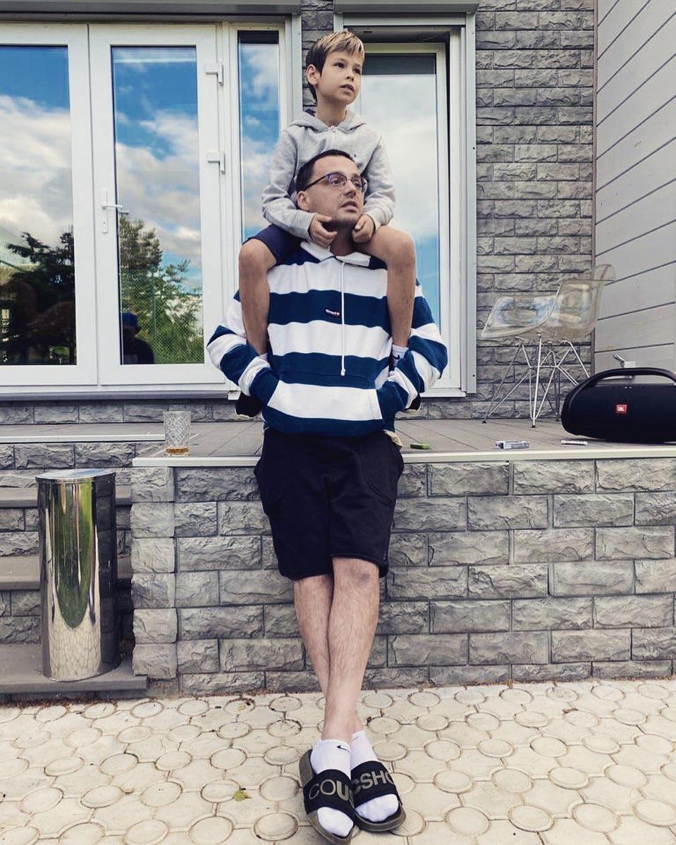 Рэпер Guf показал фото со своим сыном Сами