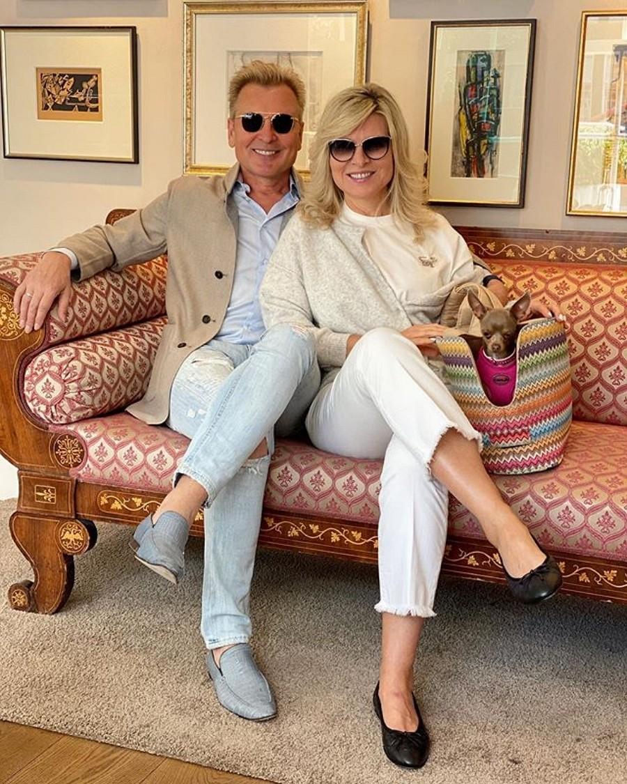 Александр Малинин показал фото с женой в городе влюбленных