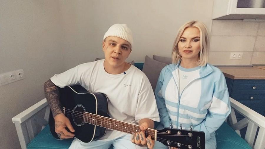 Группа RASA записала новую песню «Кукла»