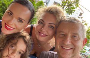 Певица Слава показала фото с отдыха с родными и близкими людьми «Веселая семейка»