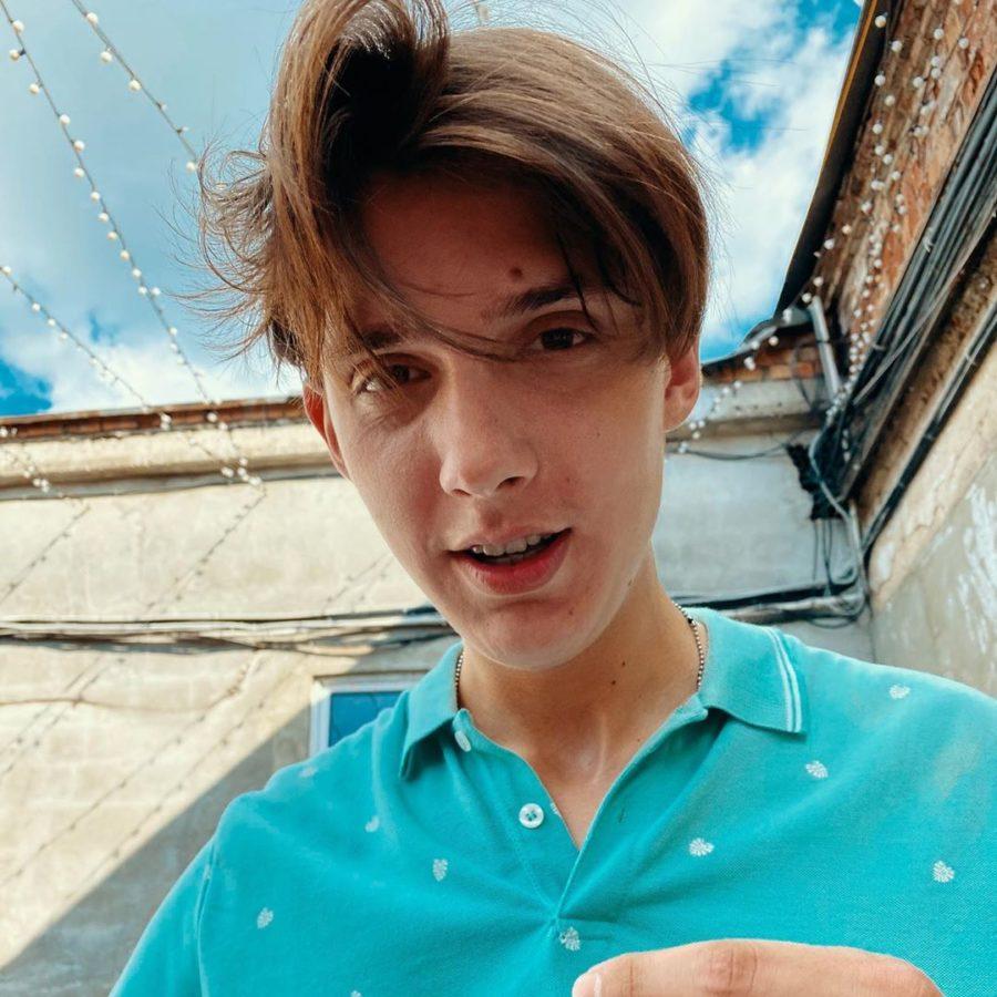 Тима Белорусских записал новую песню «Звездопад»
