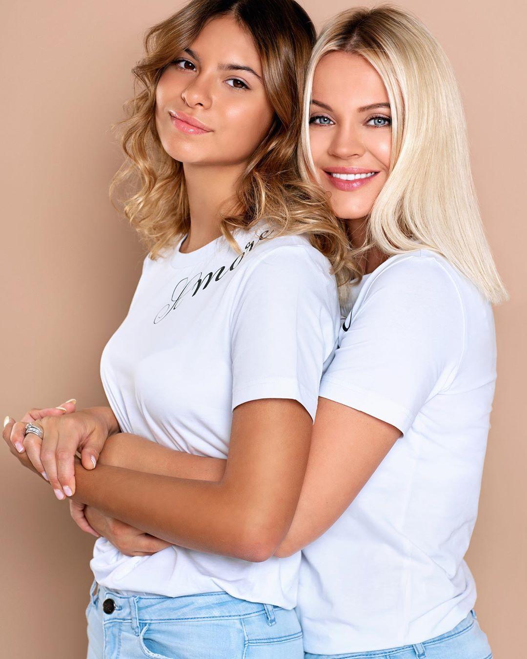 Ирина Ортман показала фото с красавицей-дочерью своего мужа