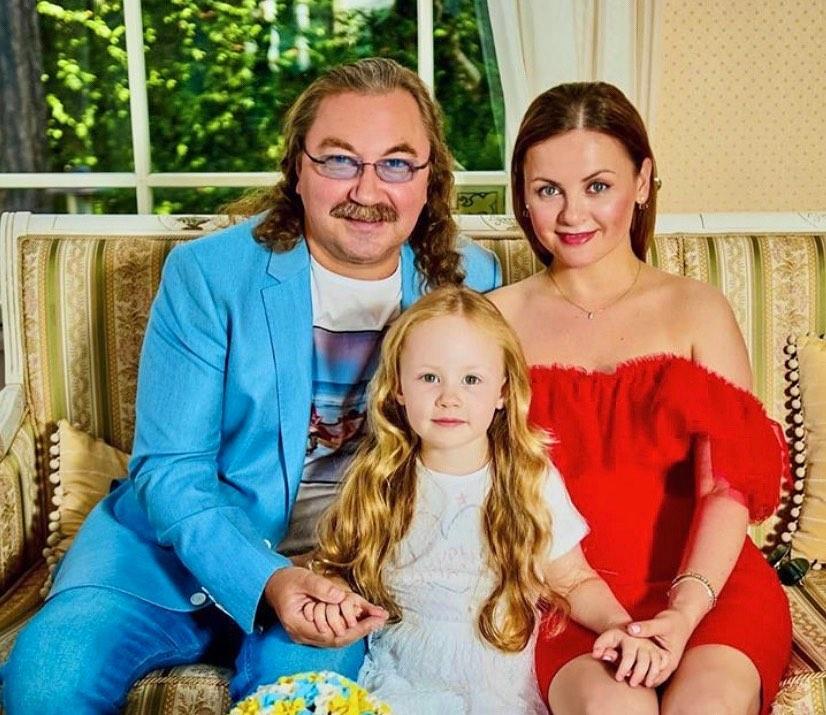 Игорь Николаев показал, как его дочка Вероника поет песню «До свидания, Юрмала»