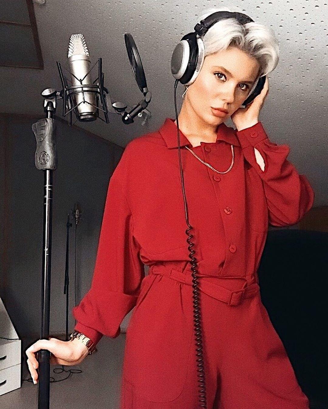Shena записала новую песню «Не ищи меня»