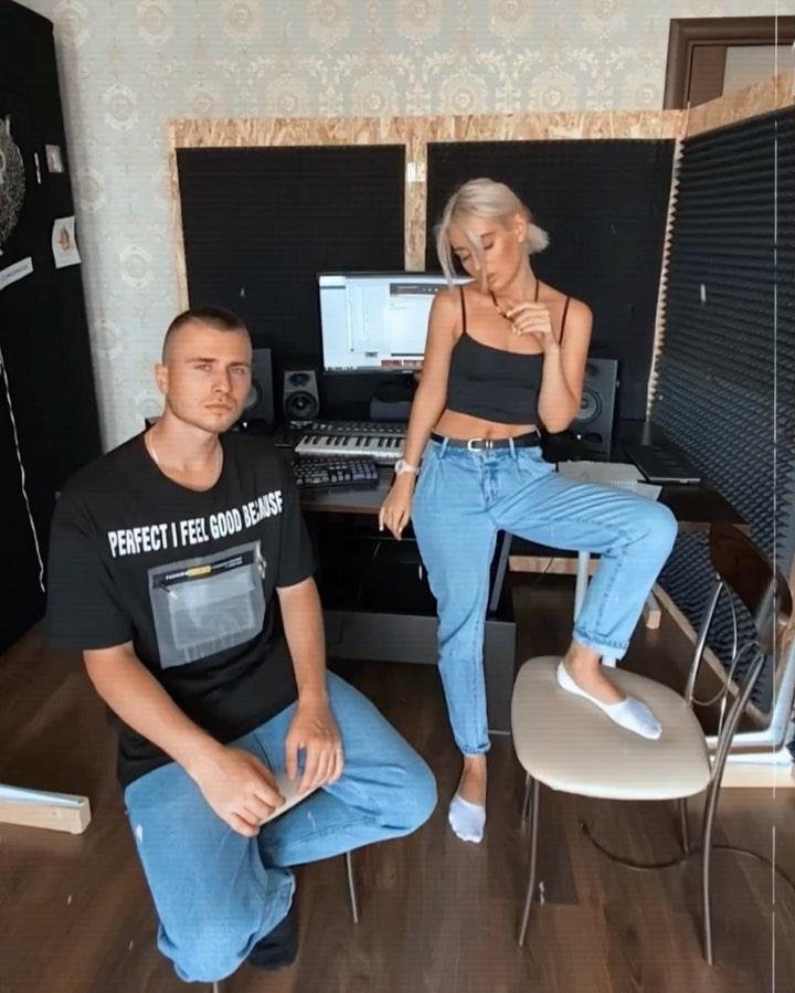 Дуэт Bolshevseh выпустили новую песню «Я буду кусаться»