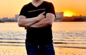 Брендон Стоун выпустил песню «За любовь»