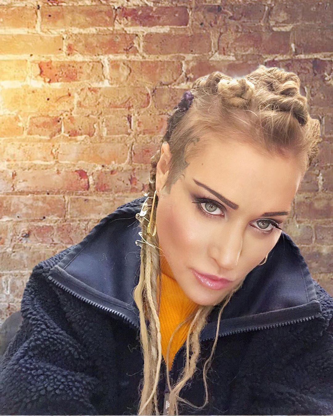 Линда выпустила песню «Недолюбили»