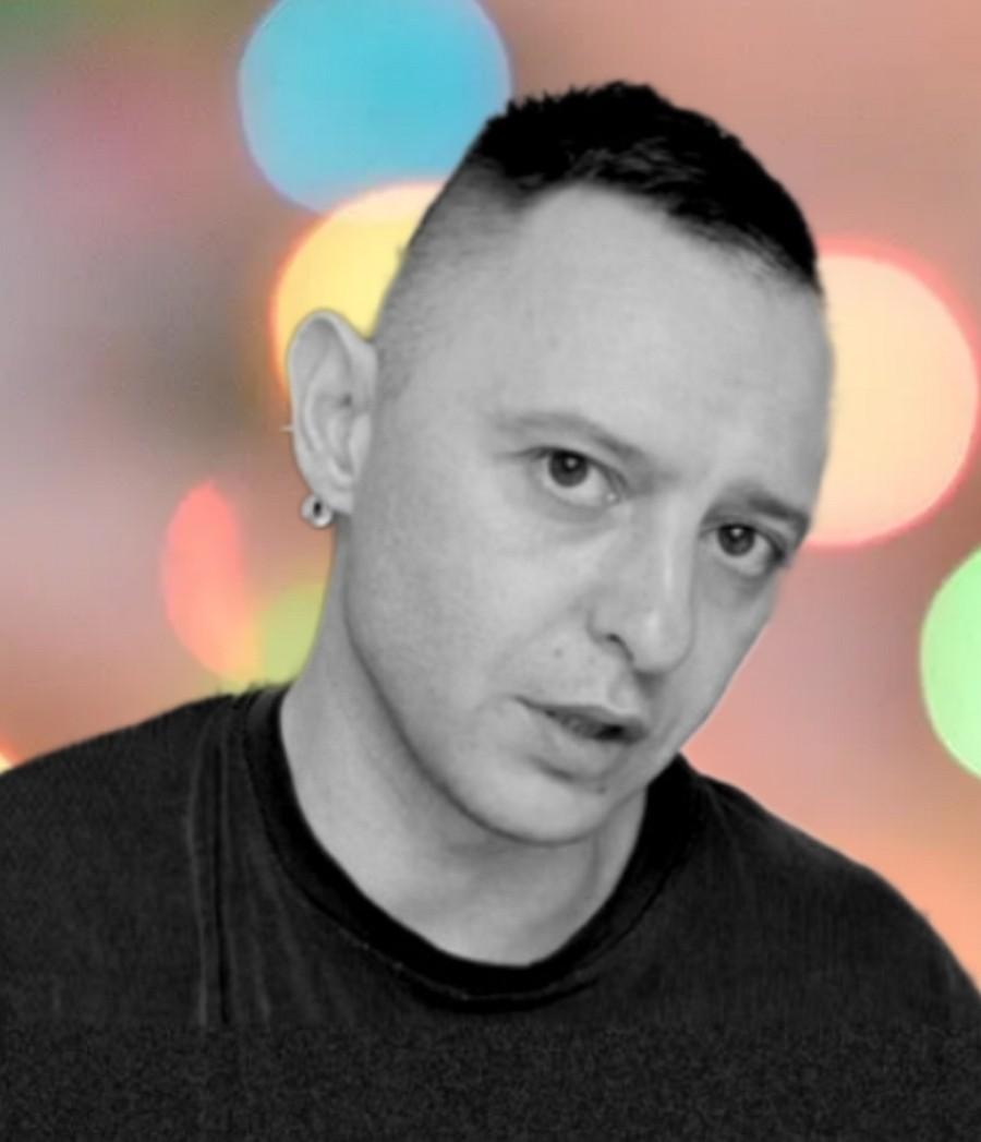 Рома Зверь записал сольный мини-альбом «Колыбельные»