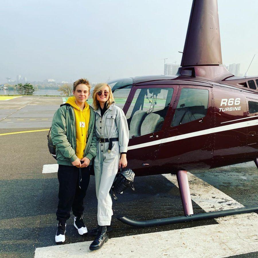Полина Гагарина с сыном решили прокатиться на вертолете