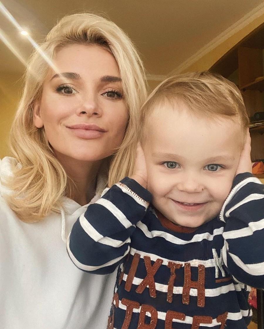 Экс-участница группы «ВИА Гра» Миша Романова показала милые фото со своим сыном