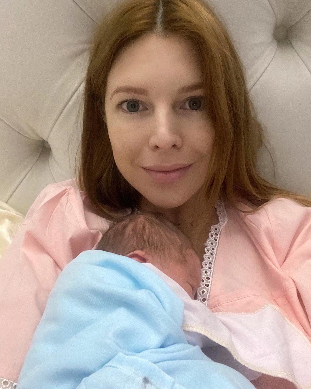 Наталья Подольская с малышом