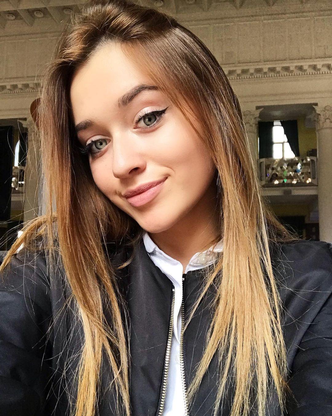 Молодая певица Skaya выпустила песню «Мальчик-футболист»