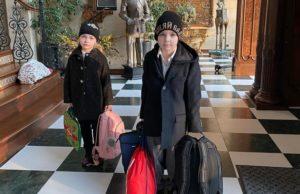 Дети Пугачевой и Галкина идут в школу, а можно подумать, что на вокзал