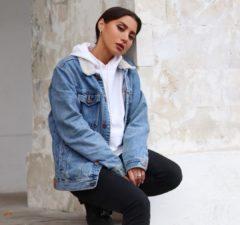 Зарина представила новую песню «Мам». Премьера этой новинки состоялась 27 ноября 2020 года. Зарина отметила, что это песня для не очень личная и эмоциональная.