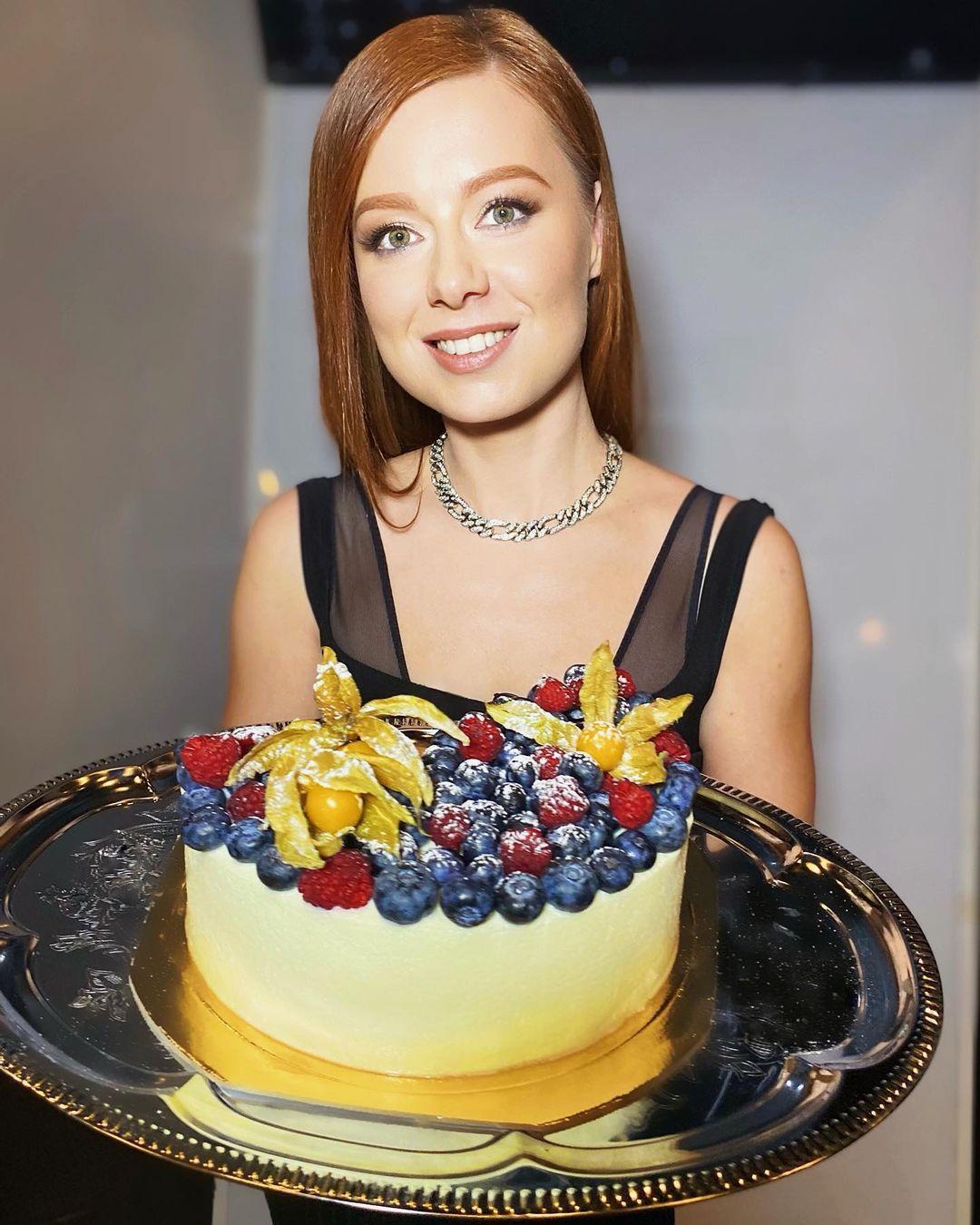 Торт, который Юлии Савичева приготовила специально для своих родителей.
